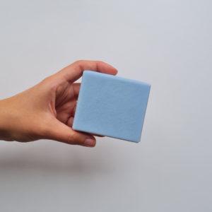 Savon uni bleu surgras fabrication artisanale