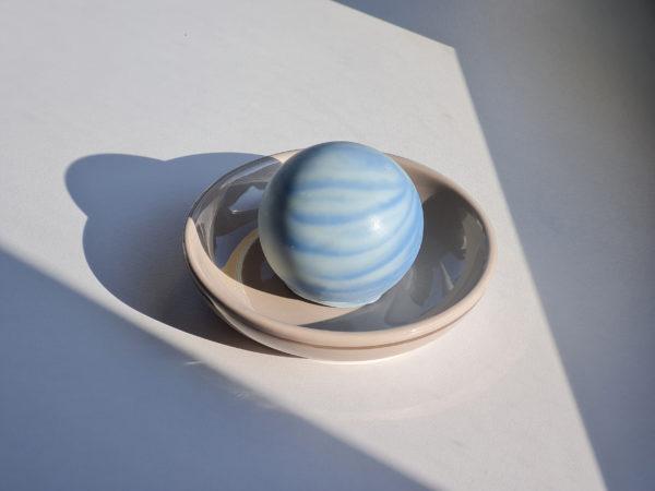 Savon planète Neptune senteur Océan bleu saponifié à froid ultra doux