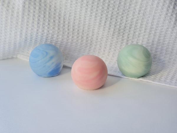 Savons planètes Neptune Bételgeuse Galilée surgras saponifiés à froid fabrication artisanale France